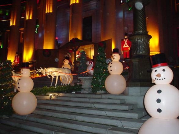 TAVATUD VIISID! Seitse jõulude tähistamise tavatut viisi