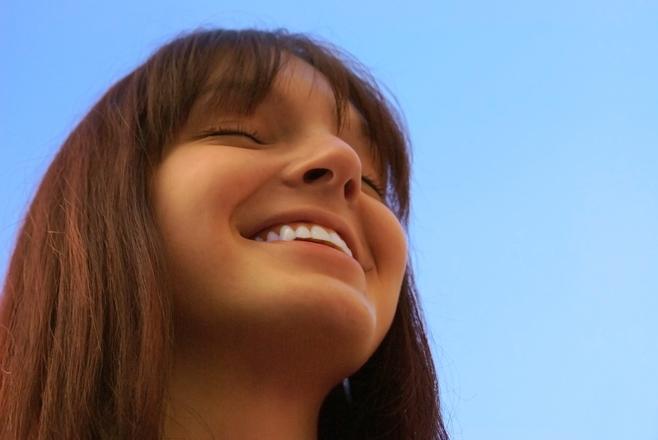 """Raamatust """"Õnn on"""" leiab teadmised, mis on kogutud enam kui sajalt õnne asjatundjalt kogu maailmast"""