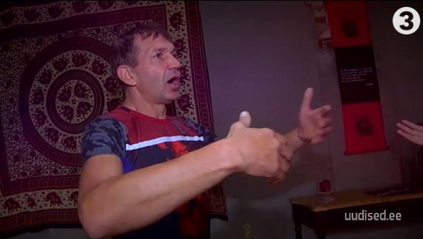 VAATA VIDEOT! Urmas Sõõrumaa õpetab, kuidas spetsiaalse võimlemisega tagasi keerata bioloogilist kella