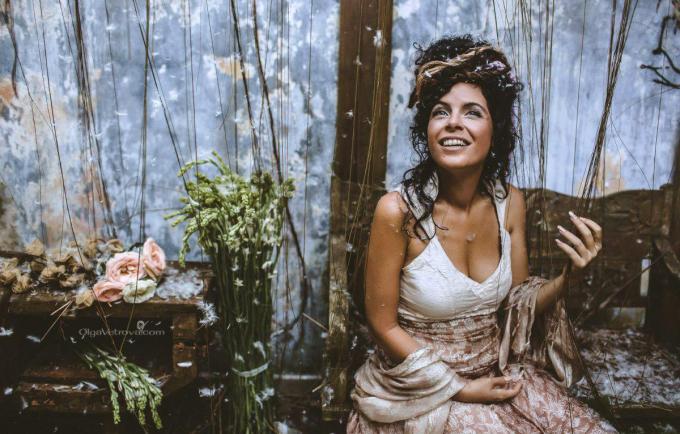 Lisatud parimad videod! Maagilise lauljanna Peruquois` hääl päästab valla naiselikkuse väe
