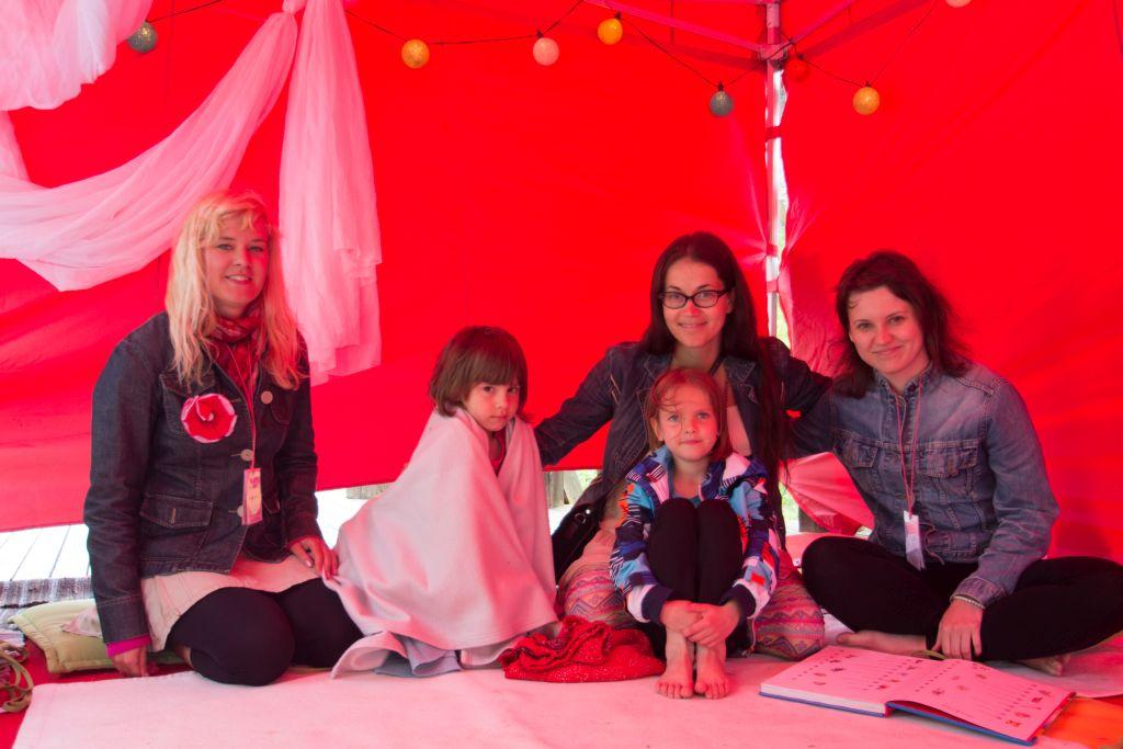 Jah, oled oodatud lapsega! Haapsalu Joogafestivali lastetelk pakub lastele eraldi programmi