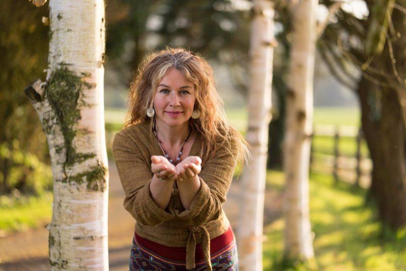 Hoppi Wimbush tuleb Eesti vanematele õpetama lastega kasvamist