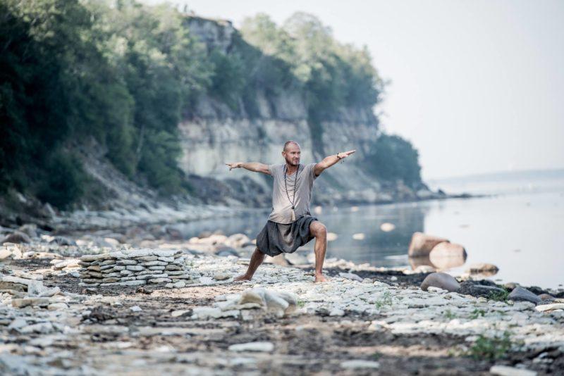 Raivo Juhanson korraldab meeste talverännaku maagilisel Muhu saarel