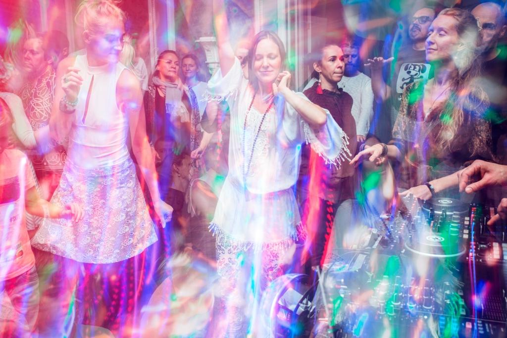 """""""Ekstaatiline tants""""! Tantsi vabalt, hinnanguteta ja ilma alkoholita"""