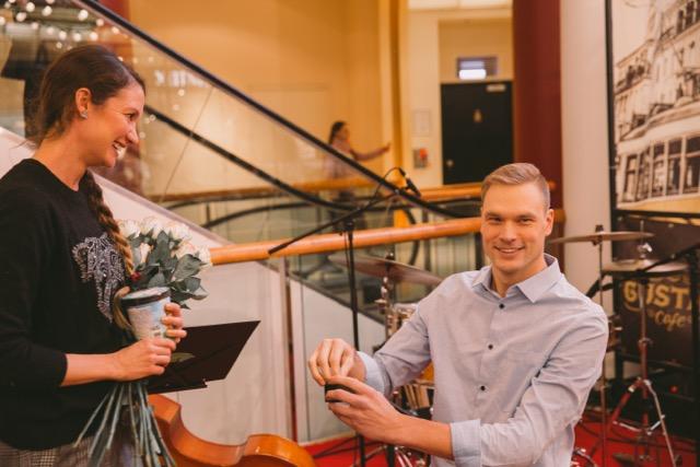 LIIGUTAV VIDEO! Eesti mees tegi sõbrapäevaks uskumatu abieluettepaneku