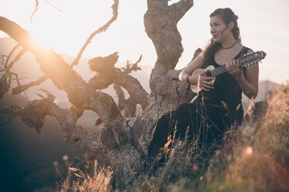 Imelise häälega Peia laulab Eestis
