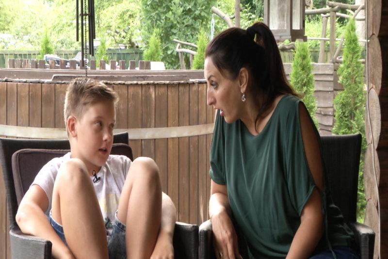 KARM, KUID AUS VIDEO I Carmen Pritsoni karm, kuid aus vestlus 11-aastase pojaga arvutisõltuvusest