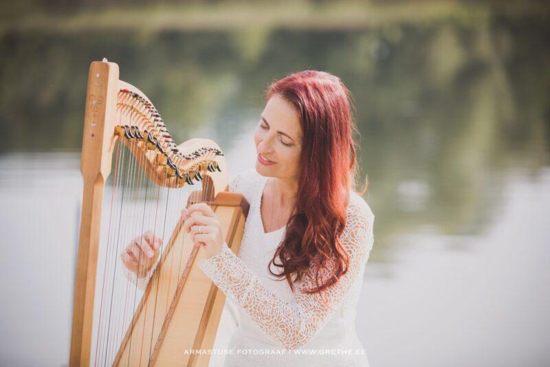 """Detsembris toimub Kreet Rosina jõuluhõnguline harfikontsert """"Armastuse helid"""""""